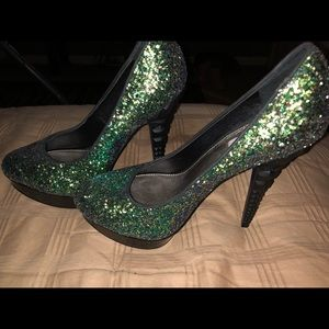 New Rachael Roy heels size 6 flawless stunning
